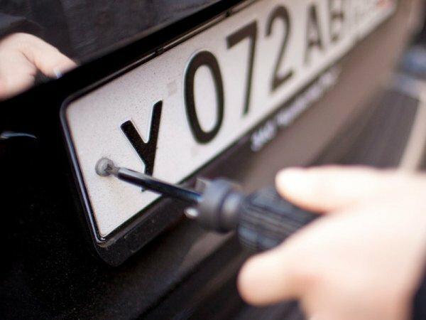 Для переоформления водительских прав и машин в Крыму открыли четыре пункта в регионах