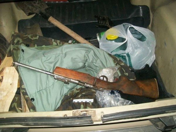 Полицейские нашли в машине жителя Симферополя ружье и патроны