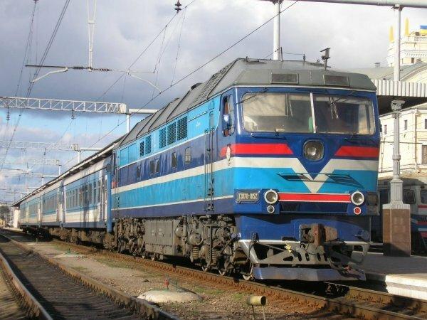 «Укрзализныця» отменила два поезда до границы с Крымом