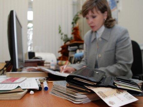 Зарплата учителей в Севастополе может существенно сократиться