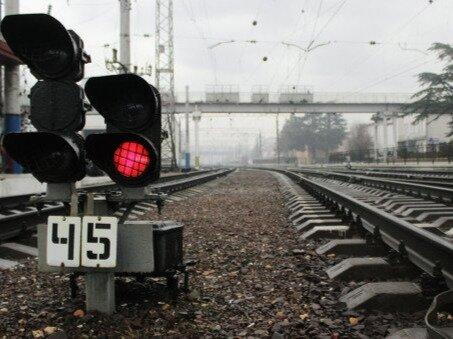 Киев пока не собирается возобновлять транспортное сообщение с Крымом