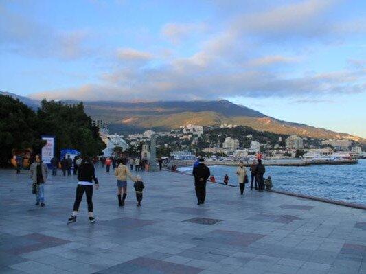 С начала года в Крыму побывали более 100 тысяч туристов