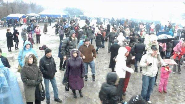На Масленицу в Крыму решили выложить из блинов российский флаг