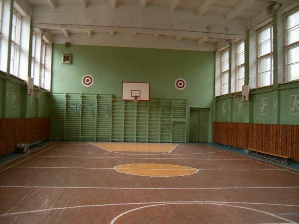 Премьер предложил отдать спортзалы школ Крыма в не учебное время спортивным секциям
