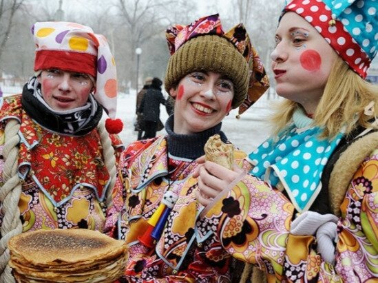 В Крыму изготовят огромный российский флаг из блинов